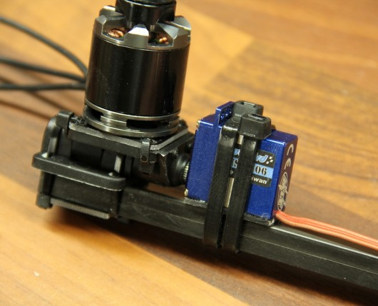 Tricopter tail servo